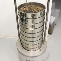 Automatic sieve device